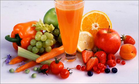 عصير الفواكه والخضار محلية الصنع
