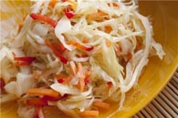 Salade de chou biloholovkovoyi frais.