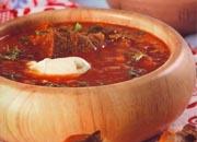 بنجر البرش حساء خضر روسي.