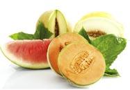 أطباق من البطيخ والشمام - صلاح الدين، ومختلف الحلويات.