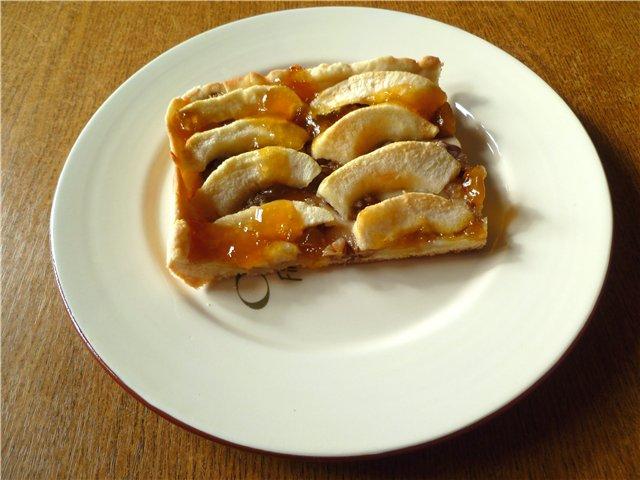 Pastel con mermelada de albaricoque.