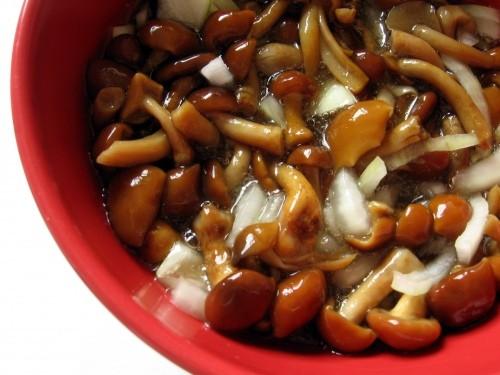funghi marinati.