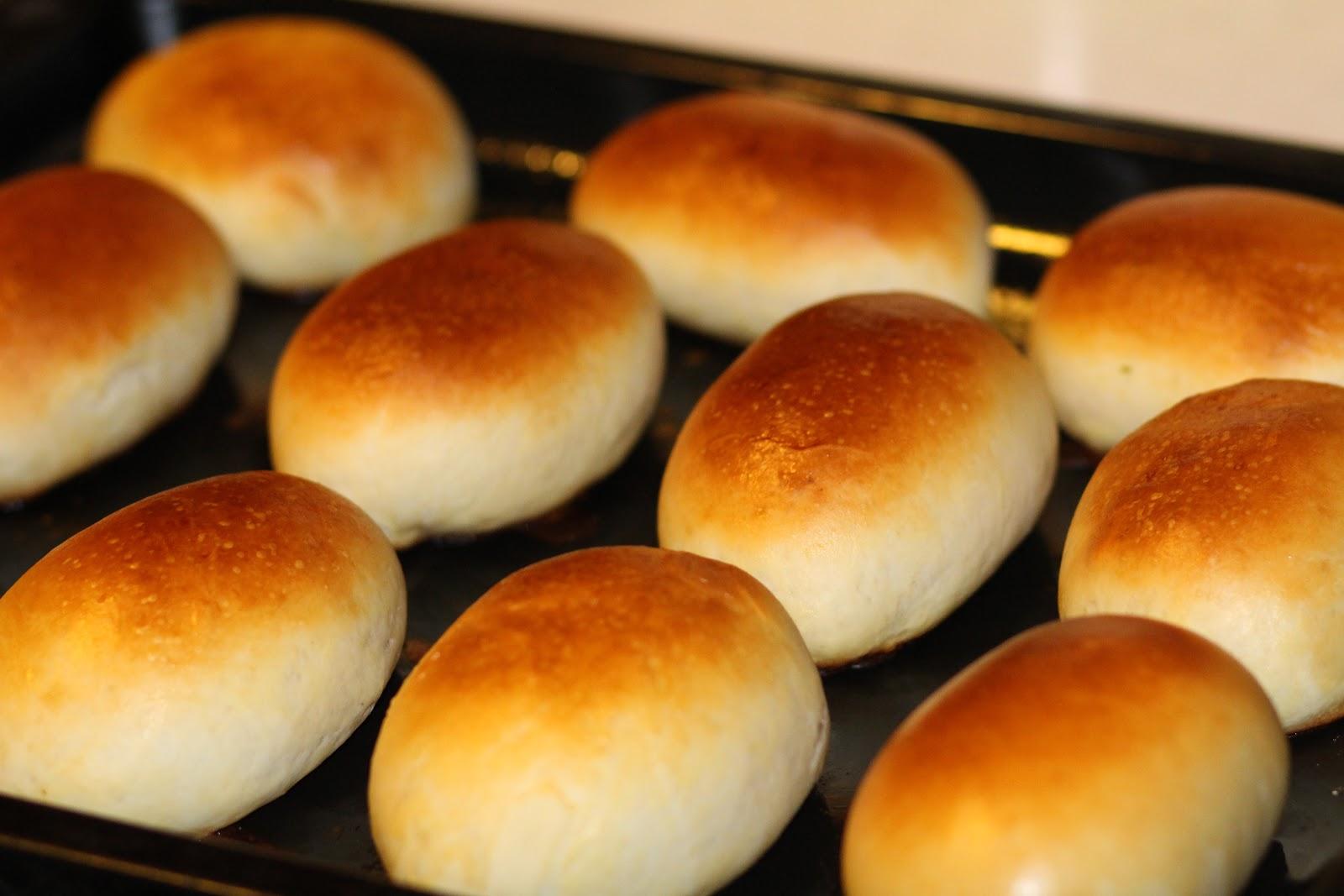 pasteles cocidos al horno de masa de levadura